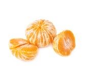 Dwa połówki anh tangerine całej świeżej soczystej owoc Fotografia Stock
