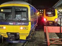 Dwa pociągu, Czyta Obrazy Royalty Free