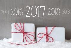 Dwa prezenta Z śniegiem, linia czasu 2017 Fotografia Stock