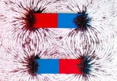 Dwa równoległych baru magnesu i pole magnetyczne Fotografia Royalty Free
