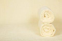 Dwa ręczników puszysta rolka zdjęcie stock
