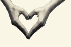 Dwa ręki - miłość Zdjęcie Royalty Free
