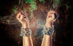 Dwa ręki w łańcuchach Obraz Royalty Free