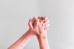 Dwa ręk chwyt wpólnie Obrazy Stock