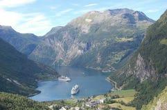 Dwa rejsy, góra i jeziora, Zdjęcia Stock