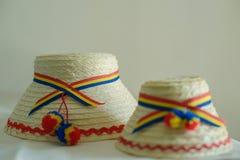 Dwa Rumuńskiego tradycyjnego męskiego kapeluszu odmianowego północna część kraj od Tara Oasului, Oas kraju, -, Maramures, rzymian Zdjęcia Royalty Free