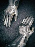 Dwa rycerza ` s piękna stara rękawiczka zdjęcia royalty free