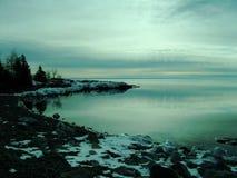 Dwa schronień linia brzegowa Jeziorny przełożony Fotografia Royalty Free