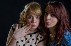 Dwa seksownej młodej kobiety zdjęcia stock