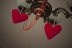Dwa serc symbol miłość na lampie Obrazy Royalty Free
