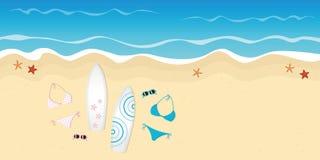 Dwa surfboards okulary przeciwsłoneczni na plaży i bikini ilustracja wektor