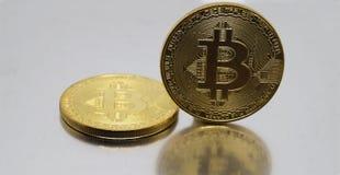Dwa symboliczna moneta bitcoin Zdjęcia Royalty Free