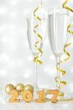 Dwa szkła szampan i nowy rok dekoracje Obrazy Royalty Free