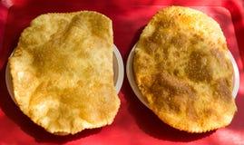 Dwa tchebourek z mięsem na stole zdjęcie stock