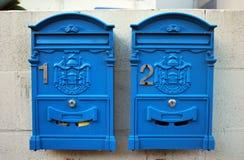 Dwa tradycyjnego Australijskiego rocznika retro postbox Zdjęcie Royalty Free
