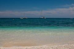 Dwa tradycyjnego jachtu na Adriatic morzu Zdjęcia Stock