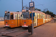 Dwa tramwaju w Budapest Obrazy Stock