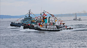 Dwa tugboats ścigać się Zdjęcie Stock
