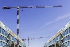 Dwa żurawia na nowej budowie Fotografia Royalty Free
