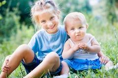 Dwa uroczej siostry Zdjęcie Royalty Free