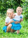 Dwa uroczej siostry ja Zdjęcia Stock