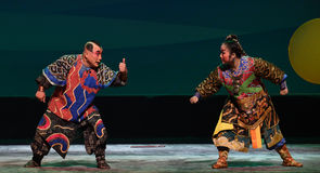 """Dwa warring strony napotykali--Peking opery """"Little Worriors Yeuh's family† Zdjęcie Royalty Free"""