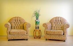 Dwa wazy i krzesła Fotografia Royalty Free