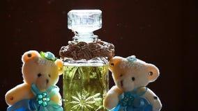 Dwa wełien pachnidła butelki słońca światła hd niedźwiadkowy szklany materiał filmowy zbiory wideo
