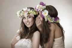 Dwa wiosny piękna czarodziejka, śmieszna, przyjaźń symbol Zdjęcia Royalty Free