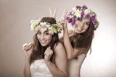 Dwa wiosny piękna czarodziejka, śmieszna, przyjaźń symbol Zdjęcia Stock