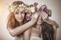 Dwa wiosny piękna czarodziejka, przyjaźń symbol Zdjęcie Stock