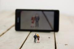 Dwa wzorcowego ludzie bierze selfie obraz royalty free