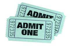 Dwa zieleń przyznaje jeden filmu bilety odizolowywających na białym tle fotografia royalty free