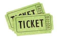 Dwa zielonego filmu bileta odizolowywali białego tło obrazy stock