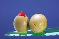 Dwa zielonej sałatki oliwki i piment Obrazy Stock