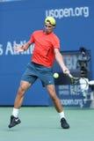 Dwanaście czasów wielkiego szlema mistrz Rafael Nadal ćwiczy dla us open 2013 przy Arthur Ashe stadium zdjęcie royalty free