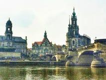 Dwarskerk in de oude stad van Dresden in Duitsland Stock Foto's