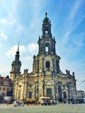 Dwarskerk in de oude stad van Dresden in Duitsland Stock Afbeeldingen