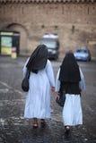 dwie zakonnice Zdjęcia Stock