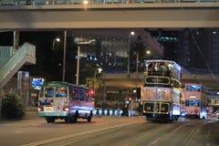 dwoistego decker tramwaj na ulicie HK obraz stock