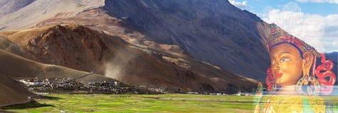 Dwoistego ujawnienia panorama monaster, wioska i Buddha Korzok, Fotografia Royalty Free
