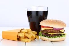 Dwoisty cheeseburger hamburgeru i dłoniaka menu posiłku koli combo dri Obrazy Stock
