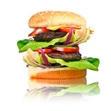 Dwoisty hamburger z piec na grillu wołowiną Zdjęcie Royalty Free