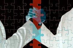 Dwoisty ujawnienie ludzie biznesu chwyta ręki Obrazy Stock