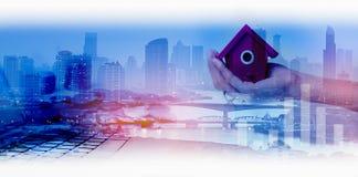 Dwoisty ujawnienie sieci, miasta i sieci związek conc Obraz Royalty Free