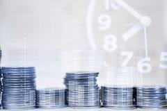Dwoisty ujawnienie sterty monety ca, obrachunkowa książka i kredyt Zdjęcie Stock