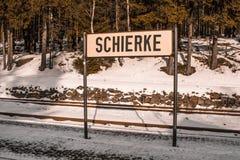 Dworca znak Schierke dworzec przy Harz górami park narodowy, Niemcy zdjęcia stock