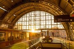 Dworzec w Berlin, Niemcy przy Aleksander Platz Zdjęcia Royalty Free