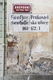 Dwujęzyczny znak uliczny w Praga Zdjęcia Royalty Free