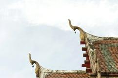 Dwuokapowy apeks na Buddyjskiej świątyni Obrazy Stock
